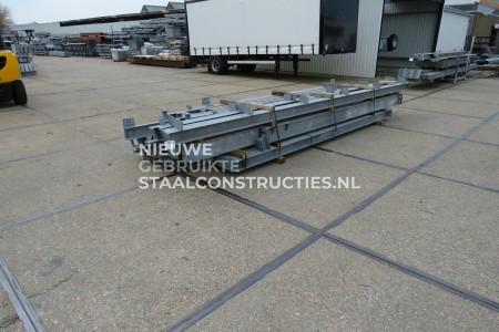 Mooie gebruikte staalconstructie 11.75 x 25.00m (394m²)