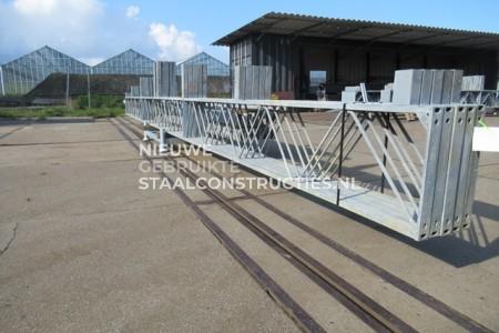 Mooie gebruikte staalconstructie 9.60 x 16.00m (154m²)