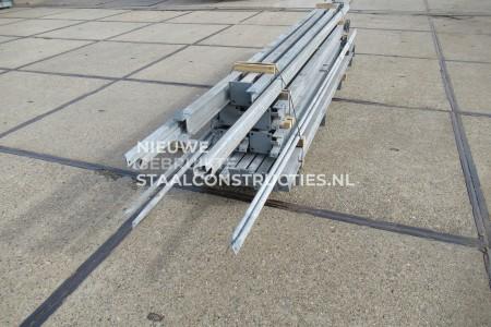 Mooie gebruikte staalconstructie 6.50 x 16.00m (104m²)
