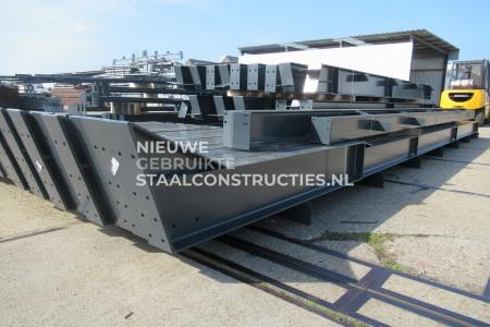 Nieuwe staalconstructie 18.00 x 50.00m (900m²) gepoedercoat