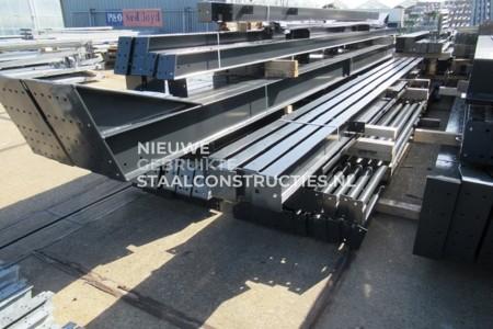 Nieuwe staalconstructie 20.00 x 41.00 meter (820m2)